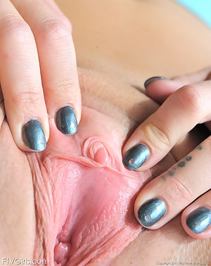 Free Teen Clit Porn Pictures